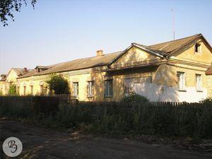 Здание бывшей ООШ № 8 (2007)