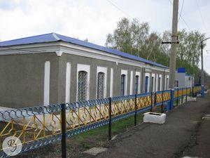 Вокзал станции Благодатка (2012)