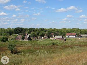 Вид на село Песчанку с железнодорожной ветки песчаного карьера