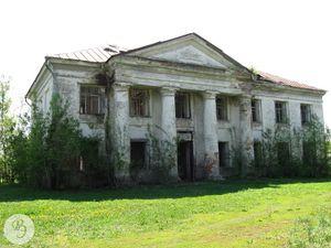 Здание бывшей Казанской церкви в с. Макарово (2012) Объект культурного наследия Ртищевского района