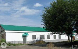 Бывшая администрация Выдвиженского округа (ныне магазин и СТО)