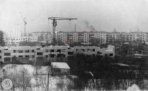 Оставшиеся дома по улице Ямской между строящимися домами № 5 и № 9 по улице Красной (нач. 1980-х)