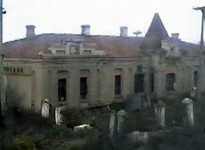 Пассажирское здание из окна локомотива (1997)