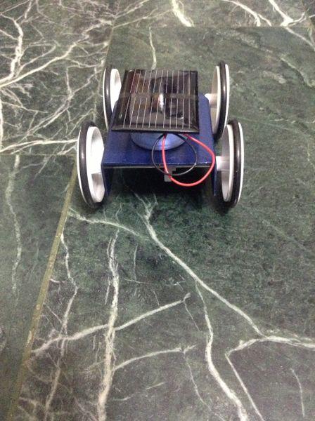 檔案:太陽能車4.jpg