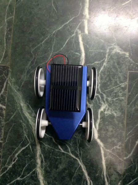 檔案:太陽能車3.jpg