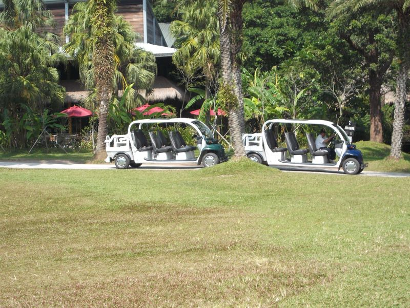檔案:綠世界遊園車.jpg
