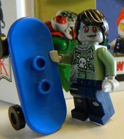 LEGO Zombie Skateboarder con skateboard tutte le nuove e completi